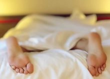 nocturia featured image with feet handing out of bed
